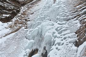 凍った観音滝