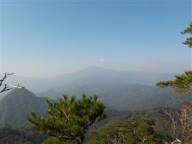 鷹巣岳山頂の様子