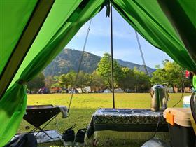 キャンプ村 テントの様子