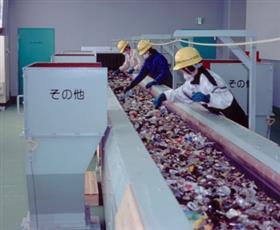 リサイクルプラザ作業写真